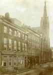 2005-1489 Exterieur van de Westerkerk, met omgeving, aan de Kruiskade van de Nederlands Hervormde Kerk.