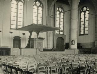 2005-1492 Interieur van de Oosterkerk aan de Hoogstraat van de Nederlands Hervormde Kerk.