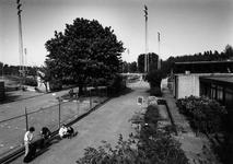 2005-162 De Roel Langerakweg met het complex van sportvereniging Neptunus en het dierenasiel.