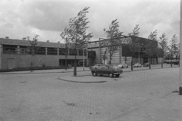 2005-1716 De Energiehal aan de Energieweg bij de Abraham van Stolkweg.