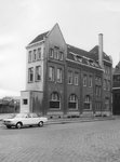 2005-1776 Het kantoor en stationsgebouw van de R.T.M. aan de Rosestraat 3.
