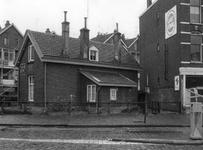 2005-1778 De Rose-Spoorstraat 33 met spoorweghuisje.