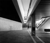 -2511 Foto's, programma's enz. betreffende het optreden door Les Compagnons de la Chanson in het nieuwe concertgebouw ...