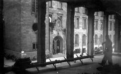 2005-322 Gezicht in de door het Duitse bombardement van 14 mei 1940 getrofffen zijkant van een pand aan het Doelwater, ...
