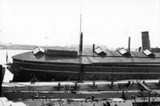 2005-5187-TM-5189 Waalhaven met schip de BuffelVan boven naar beneden afgebeeld:-5187: In de Waalhaven is het ...