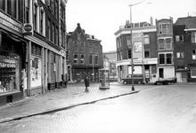 2005-5677-TM-5680 Crooswijk:Van boven naar beneden afgebeeld:-5677: Het Goudseplein. Met rechts huizen voor sloop aan ...