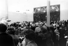 2005-6068 De Joodse gemeente: in de synagoge, afdeling voor vrouwenIn de synagoge aan het A.B.N. Davidsplein en ...