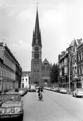 2005-6188-TM-6191 Hugo de Grootstraat en Ammanplein:Van boven naar beneden afgebeeld:-6188: De Hugo de Grootstraat met ...