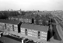 2005-6283 Overzicht vanaf de Ammanstichting aan het Ammanplein op de Boezemweg en de omgeving van de wijk Rubroek, uit ...