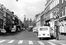 2005-6490-TM-6496 De NH Noorderkerk 1891-1974:Van boven naar beneden afgebeeld:-6490: De Erasmusstraat met op de ...