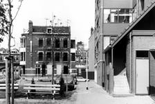 2005-6922-EN-6923 Uitgebrand pand:Van boven naar beneden afgebeeld:-6922: Op de hoek van Vijverhofdwarsstraat en ...