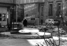 2005-7419 Het Raamplein met het monument voor Louis Davids. Bij de Zandstraat waar Louis Davids geboren is.