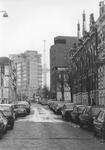 2005-7693 De Saftlevenstraat uit noordelijke richting gezien. Met op de achtergrond het Dijkzigt ziekenhuis.
