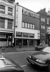 2005-8030 De Mauritsweg ter hoogte van het café De Unie.