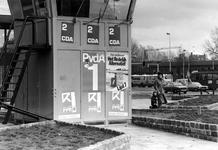 2005-8146-TM-8148 Verkiezingsaffiches:Van boven naar beneden:-8146: Bij het Hofplein-8147: Bij het Hofplein en de ...
