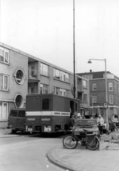 2005-8152 Een verbinding/commando-wagen van de Brandweer bij brand in de Bloklandstraat ter hoogte van het Zwaanshals.