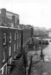 2005-8405 De achterzijde van woningen aan de Haarlemmerstraat.