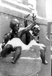 2005-8931-EN-8932 De Veerkade en Veerhaven:Van boven naar beneden:-8931: Een detail van het Caland monument aan de ...