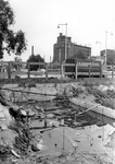 2005-9092 Het Noordplein uit westelijke richting gezien. Op de achtergrond de Noorderbrug en het gebouw van Heineken ...