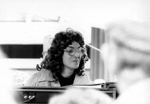 2005-9577 Tijdens de binnenstadsdag speelt organiste Jeanine Wegman op de Hoogstraat.