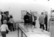 2005-9827-TM-9829 Expositie in het Museum Boijmans Van Beuningen:Van boven naar beneden:-9827: Een tentoonstelling over ...