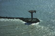 2006-31 Luchtopnamen van de Nieuwe Waterweg en Nieuwe Maas vanaf Hoek van Holland naar Rotterdam. Selectie van 7 uit 72 ...