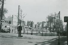 2007-1062 Het Middensteiger met links de Open Rijstuin, rechts het Kolk. Verwoesting na Duits bombardement op 14 mei 1940.