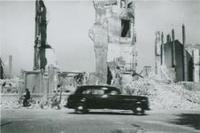 2007-1065 Willemsplein met de resten van het R.K. zeemanshuis Stella Maris. Verwoesting na Duits bombardement op 14 mei 1940.