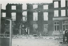 2007-1089 Voorgevel van de Marinierskazerne aan het Oostplein. Verwoesting na Duits bombardement op 14 mei 1940.