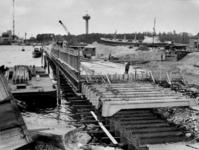-1236 Foto's betreffen werken aan de 1e Katendrechtsehaven, Shell in Europoort, ROTEB aan het Bosland, GEM ...