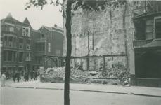 2007-1804 Hoekpand aan hoek Insulindestraat en Bergweg, getroffen door een verdwaalde bom tijdens het Duitse ...