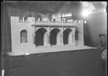2007-2710 Maquettes voor het te bouwen stadhuis aan de Coolsingel naar het ontwerp van prof. H.J. Evers. Selectie van 1 ...