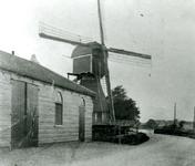 CAPHV-1135 Korenmolen De Hoop aan de Dorpsstraat 33.