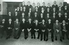 CAPHV-1362 In 1937 behaalde het mannenzangkoor Zang Veredelt op het concours in Overschie de eerste prijs. Een goede ...