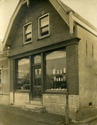 CAPHV-1428 Winkel/woonhuis aan de Dorpsstraat 136.
