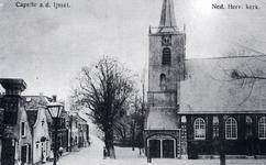 CAPHV-1497 Gezicht op de Kerklaan met rechts de Nederlands Hervormde Dorpskerk aan de Kerklaan 2.
