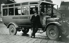 CAPHV-16 G.M.C. wagen 3 goed voor 22 personen; autobus van busonderneming NV De Ster te Rotterdam;gefotografeerd op het ...