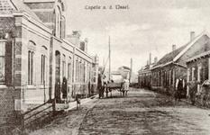 CAPHV-382 De Nijverheidstraat in Capelle aan den IJssel, gezien van west naar oost. De handkar is van de ...
