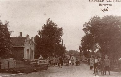 CAPHV-391 De Bermweg gezien in de richting van Rotterdam