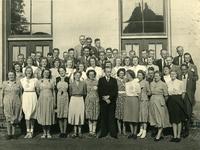 CAPHV-434 Groepsfoto van de zangvereniging Zang en Vriendschap uit Capelle aan den IJssel.