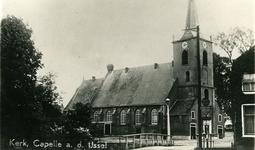 CAPHV-777 Nederlandsche Hervormde Kerk (Dorpskerk) aan de Kerklaan in Capelle aan den IJssel.Links naast de kerk ziet u ...