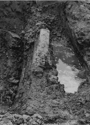IX-1396-14-00-07-05-1-3 Afbeeldingen van een oude dijkmuur aan de Honingerdijk.Afgebeeld van boven naar beneden:-1-2-3