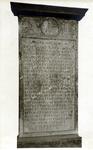 M-706-D Gedenksteen van de 400e gedenkdag van Desiderius Erasmus, humanist.
