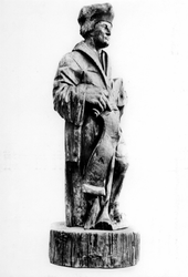 P-004500 Houten beeld van Desiderius Erasmus, humanist.
