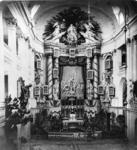 RI-832 Kerkzaal van de Sint-Rosaliakerk aan de Leeuwenstraat.