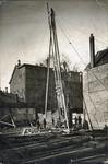 SCHOLTE-2003-193 Heistelling bij het pand van de likeurfabriek en distilleerderij van A.J. Scholte aan de Anna ...