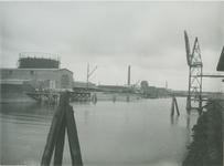 VII-191-01-2 Keilehaven met links de gasfabriek.