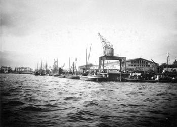 VII-449-01-1 Gezicht in de Parkhaven.