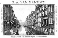 VII-489 Het Boerensteiger, gezien vanaf de Hoenderbrug.Op een reclamekaart van boekhandel G.A. van Mantgem op de Steiger 18.