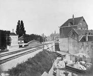 X-237-2 Gezicht op de spoorbaan Rotterdam Centraal station tot het Hofplein en vanaf de spoorbrug over de Schie, uit ...